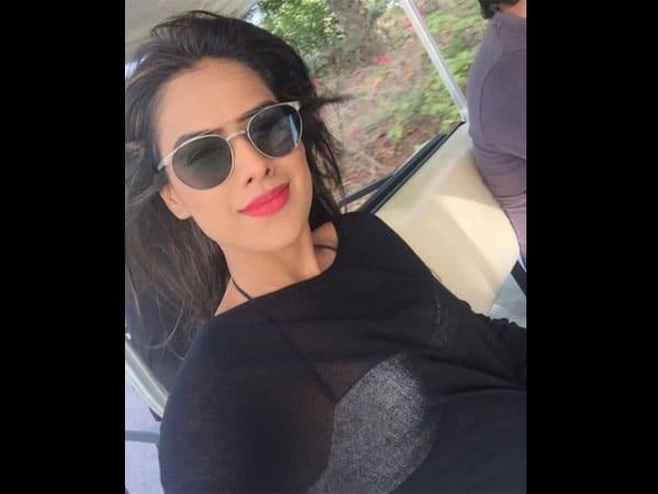 TV Actress Nia Sharma In Pink Bikini, See Pics