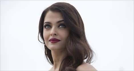 New Photoshoots of Aishwarya Rai Bachchan Redefine Beauty With Grace