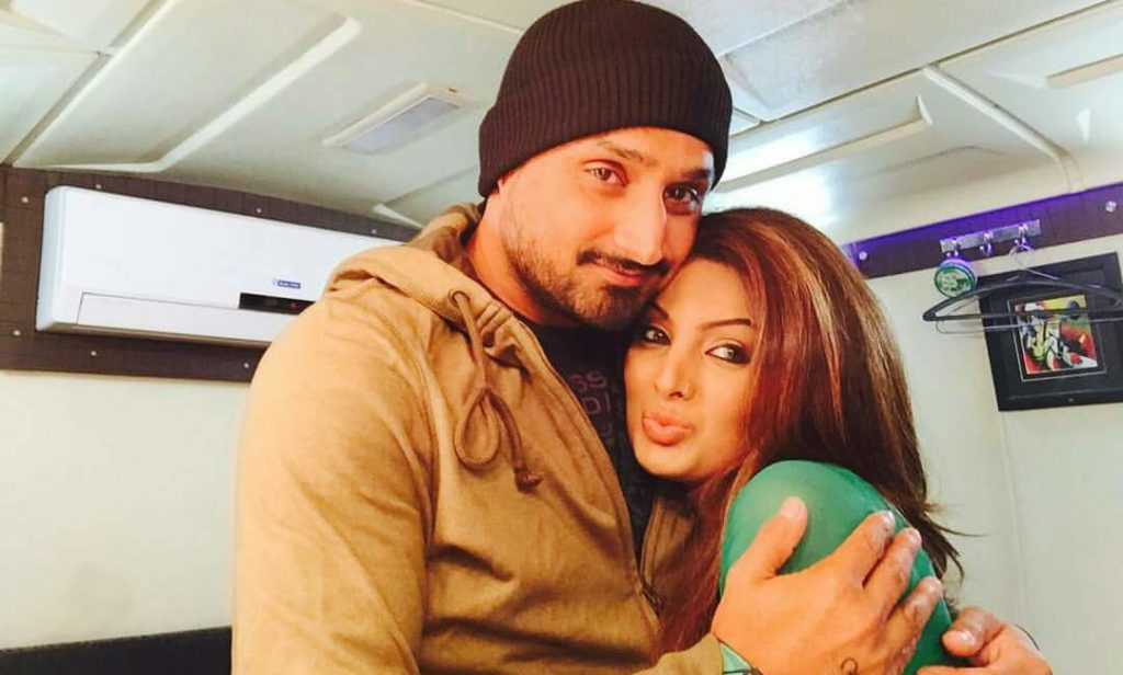 Geeta Basra shared candid pics with Harbhajan Singh from their vacation